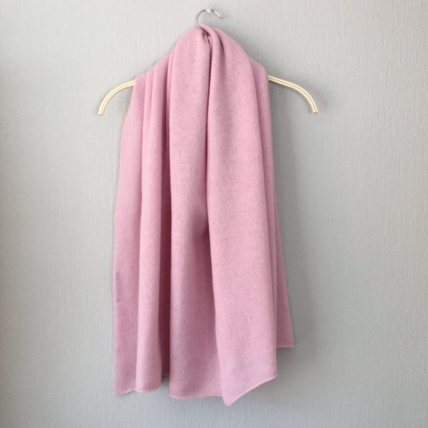 Shawl - finest Yorkshire spun merino lambswool shawl/wrap blush pink